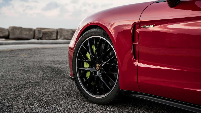 Дали знаете дека Porsche има чудно правило кое го користи за сите автомобили