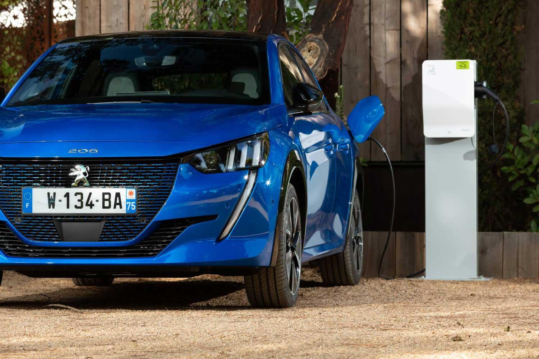 Стартува продажбата на новиот Peugeot 208 и неговата е-верзија