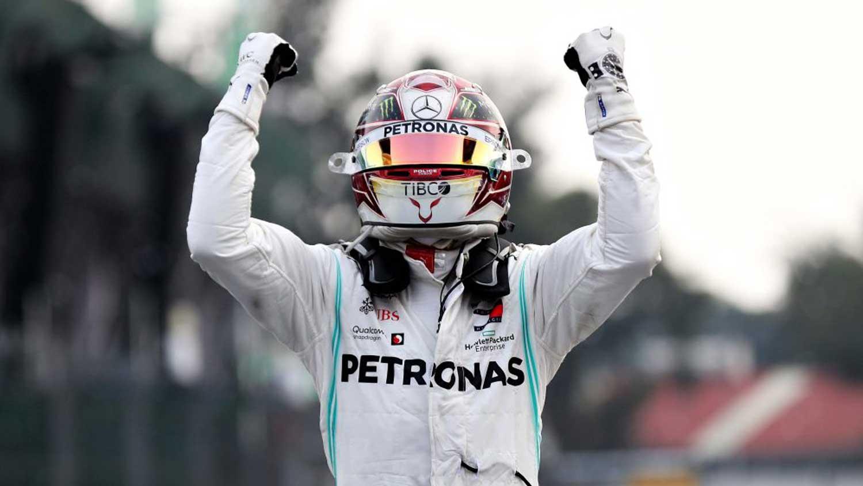 """Formula 1: Хамилтон победи во Мексико, но не ја """"завери"""" титулата"""