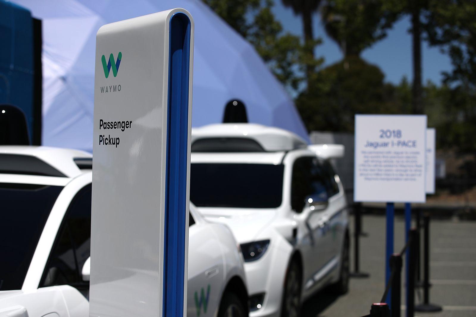 Самовозечките автомобили сеуште далеку од реалноста