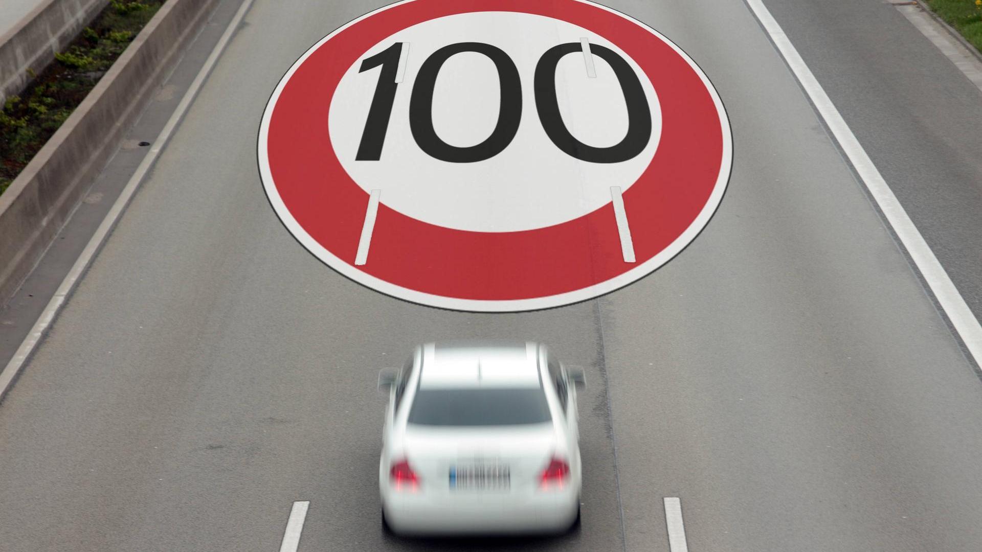 Холандија ја намалува максималната дозволена брзина на автопатиштата