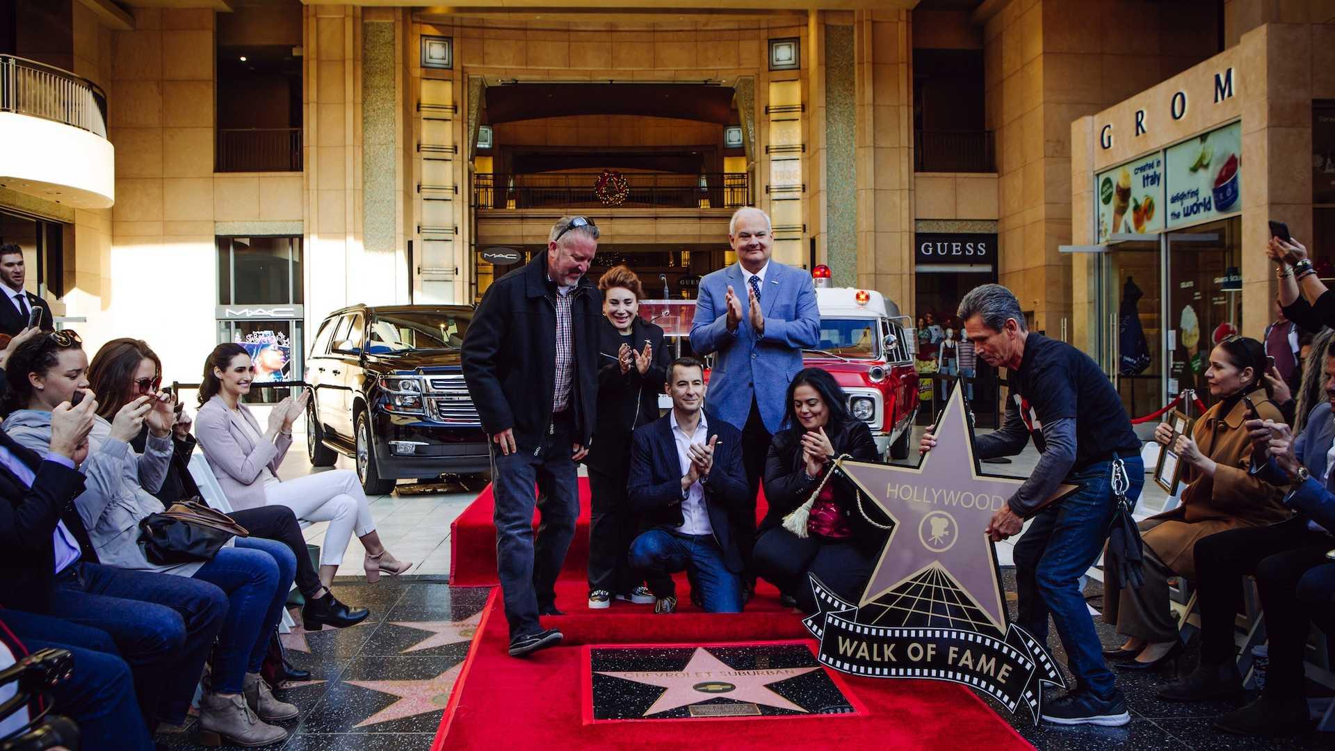 Првиот автомобил со ѕвезда на Холивудската патека на славните / ВИДЕО