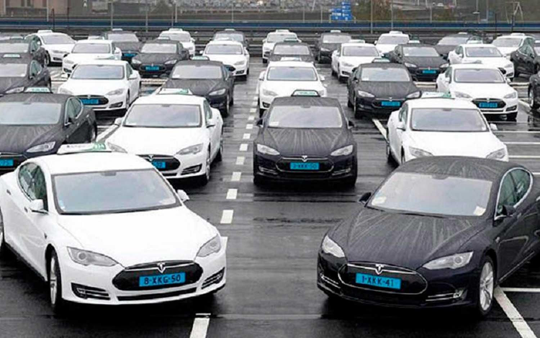 Зошто Mercedes и BMW со заеднички сили купиле 60 автомобили на Tesla?