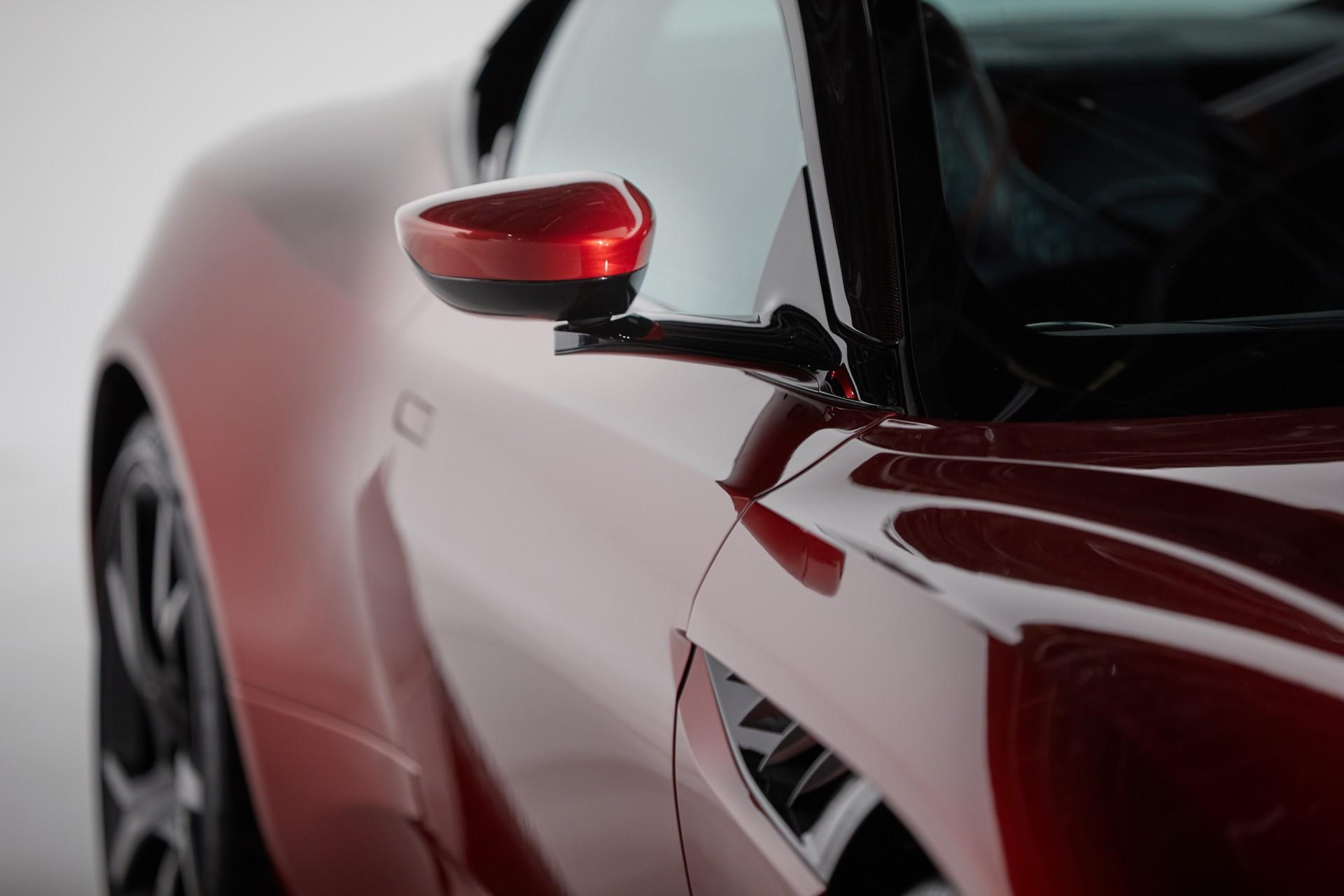 Визионерски ретровизори со камера од Aston Martin