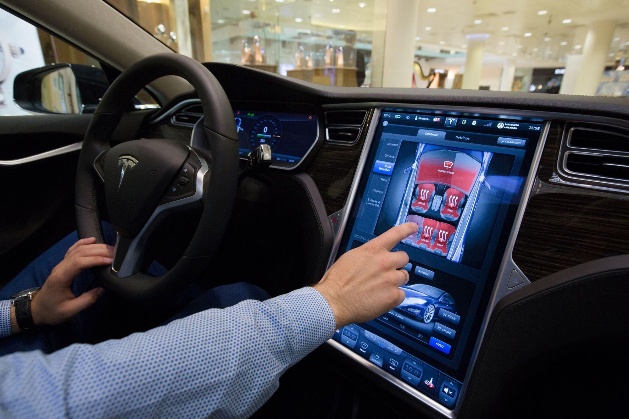 Екраните чувствителни на допир во автомобилите поопасни од возење под дејство на алкохол?
