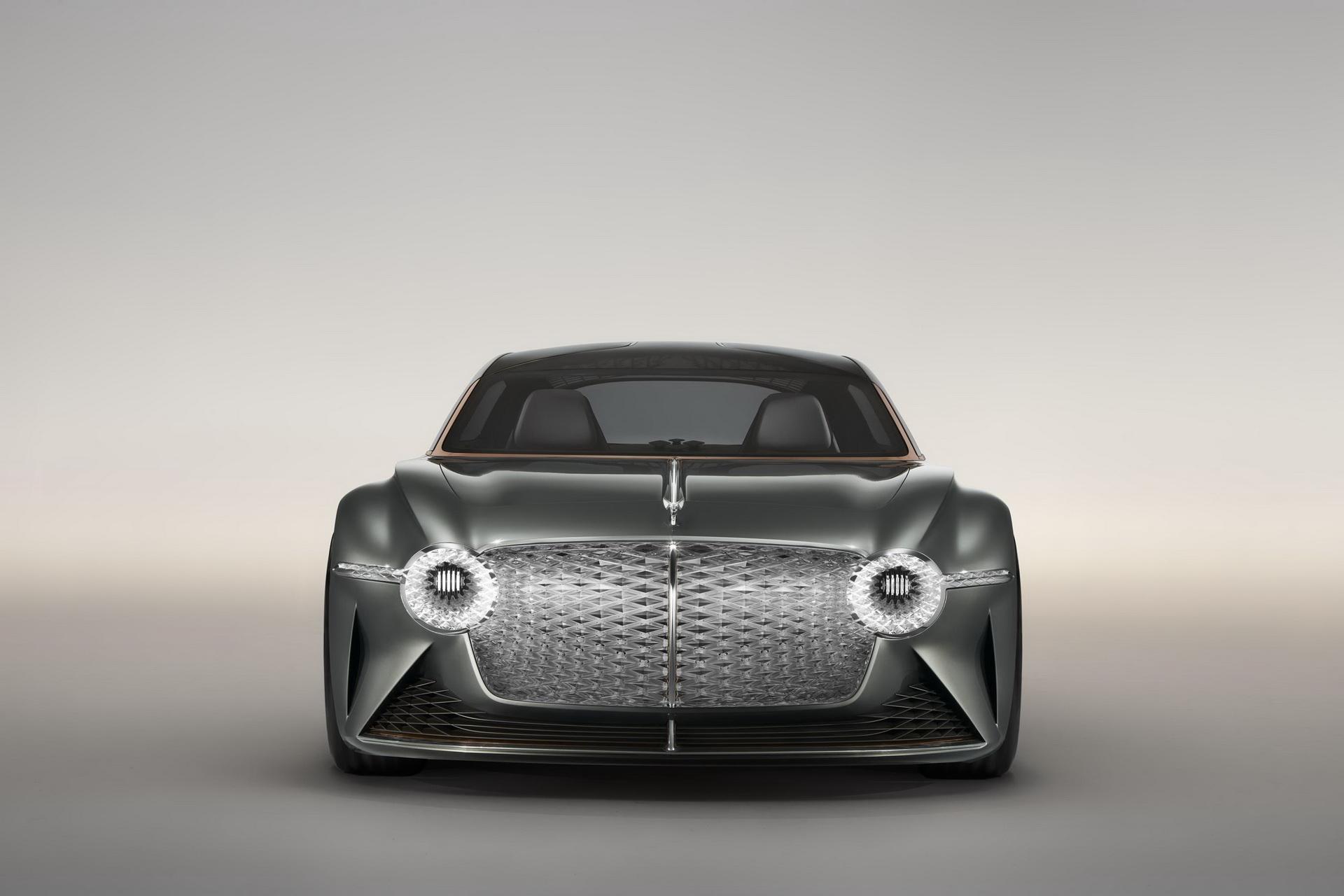 Bentley го најавува својот прв електричен модел за 2025 година