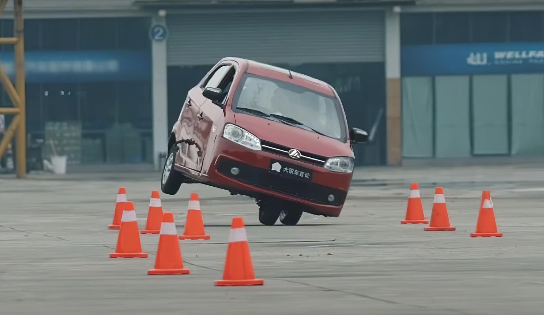 """Кинески Top Gear во епизодата: """"Овa се најлошите кинески автомобили!"""" / ВИДЕО"""