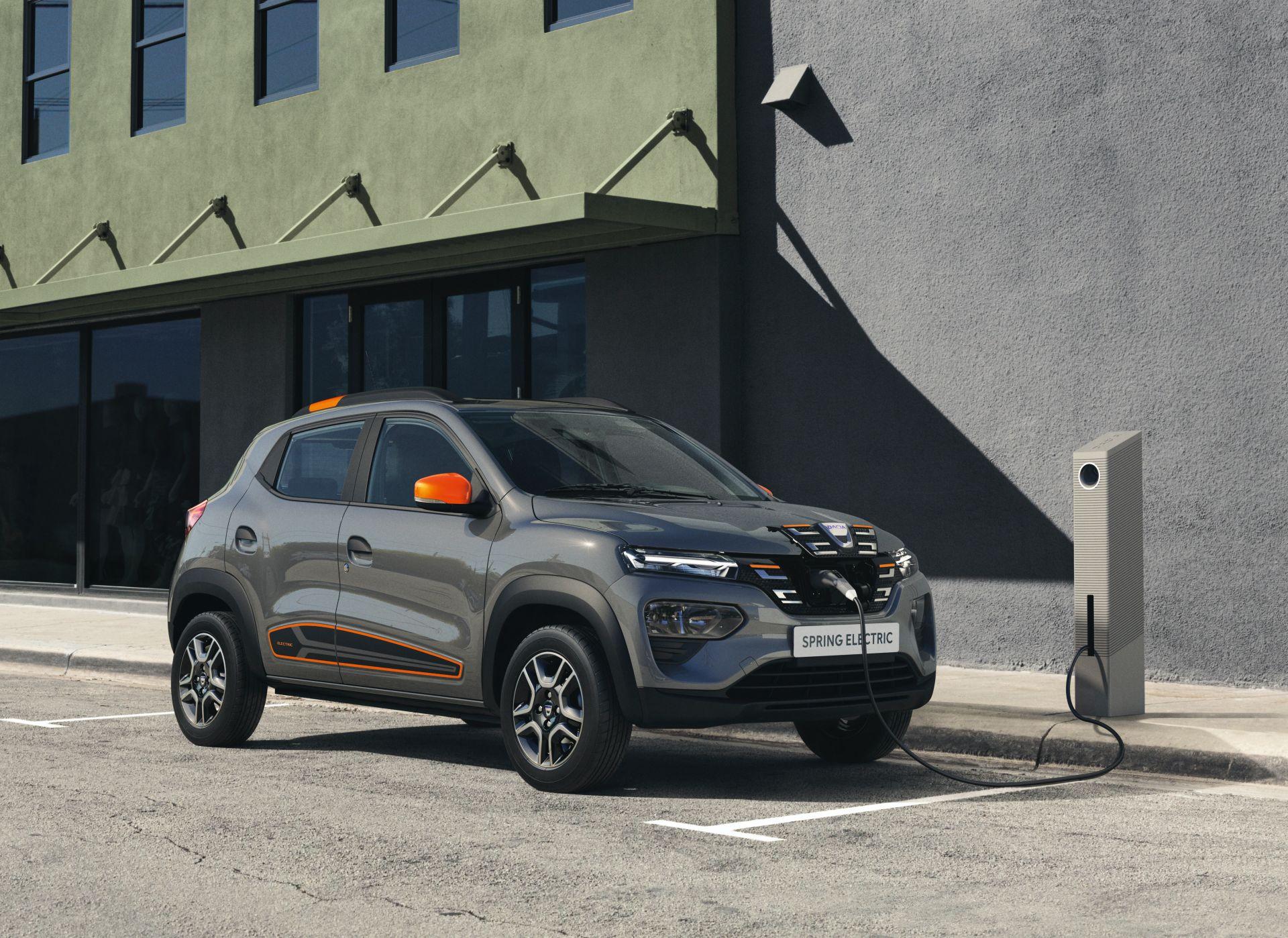 Dacia го претстави својот прв сериски модел на струја / ФОТО+ВИДЕО