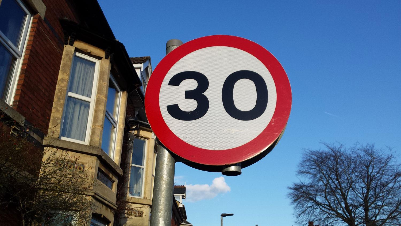 Париз размислува да ја ограничи максималната брзина во град на 30 km/h