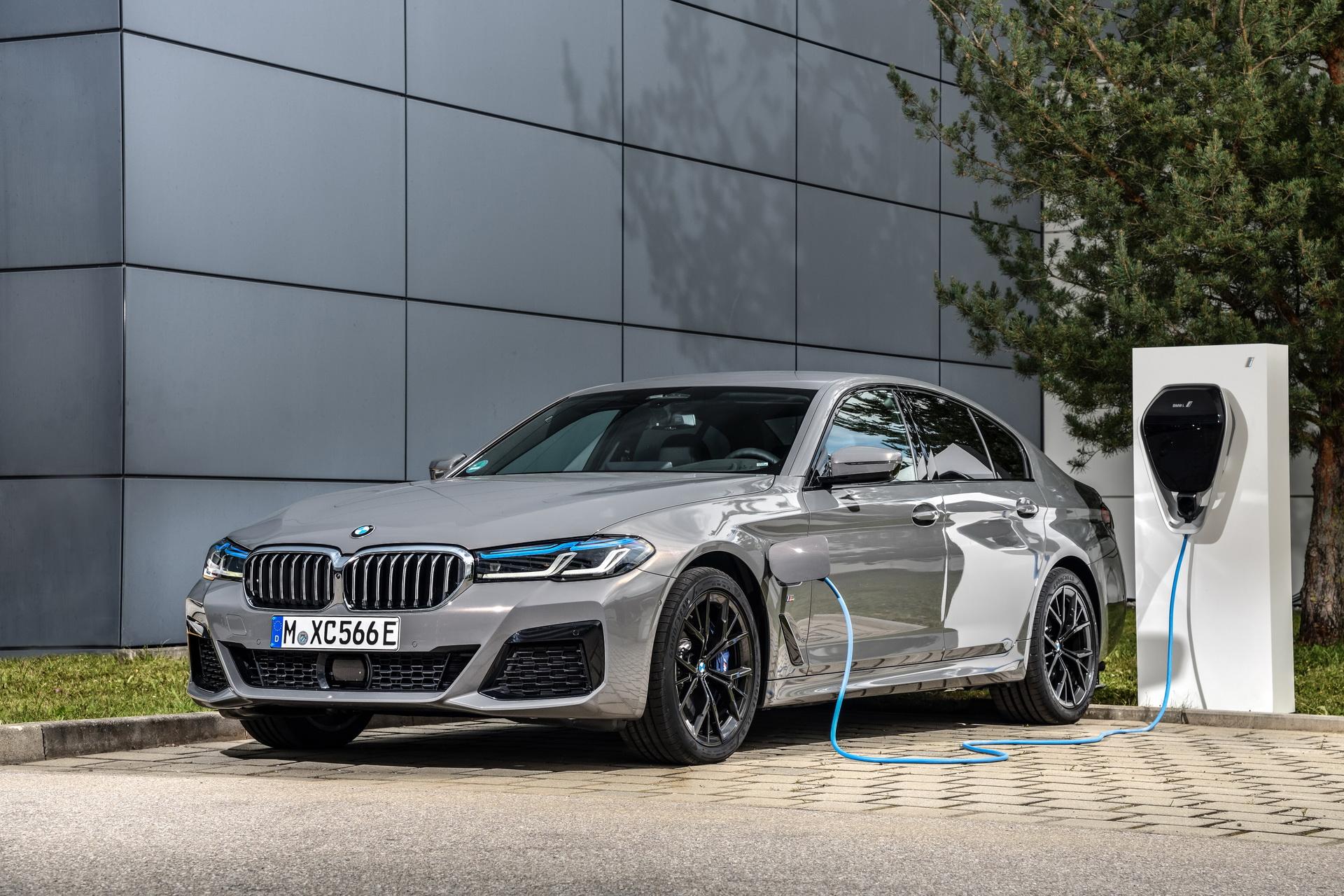 BMW најави сервисна акција за 26.700 plug-in хибриди
