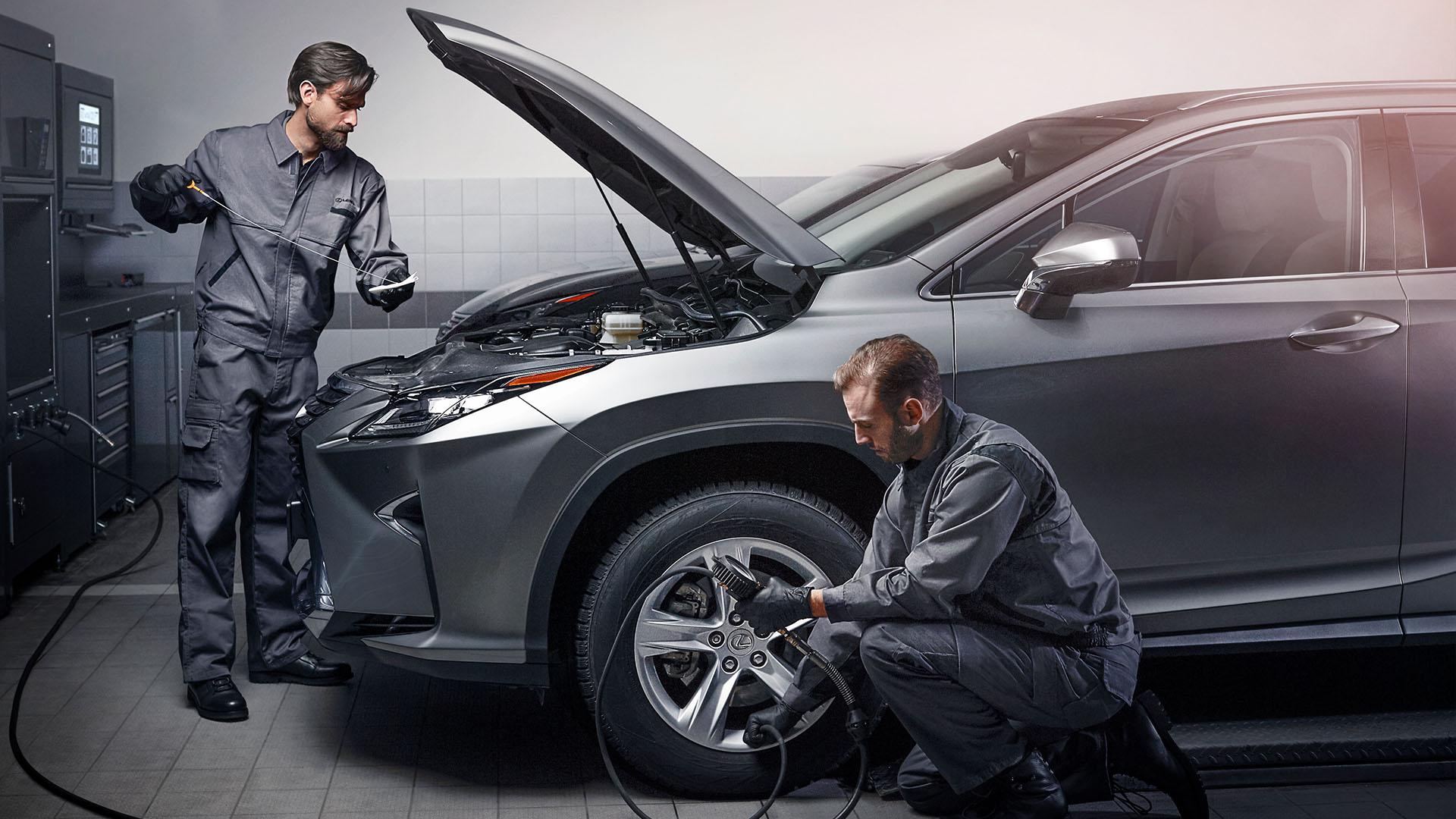 Клучни делови за автомобили: Кога е време за замена на моторното масло, филтрите, ременот…