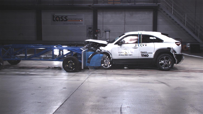 Пет ѕвезди за безбедност за електричната Mazda / ФОТО+ВИДЕО