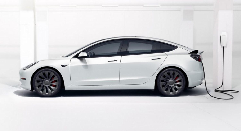Tesla официјално влегува на рускиот пазар