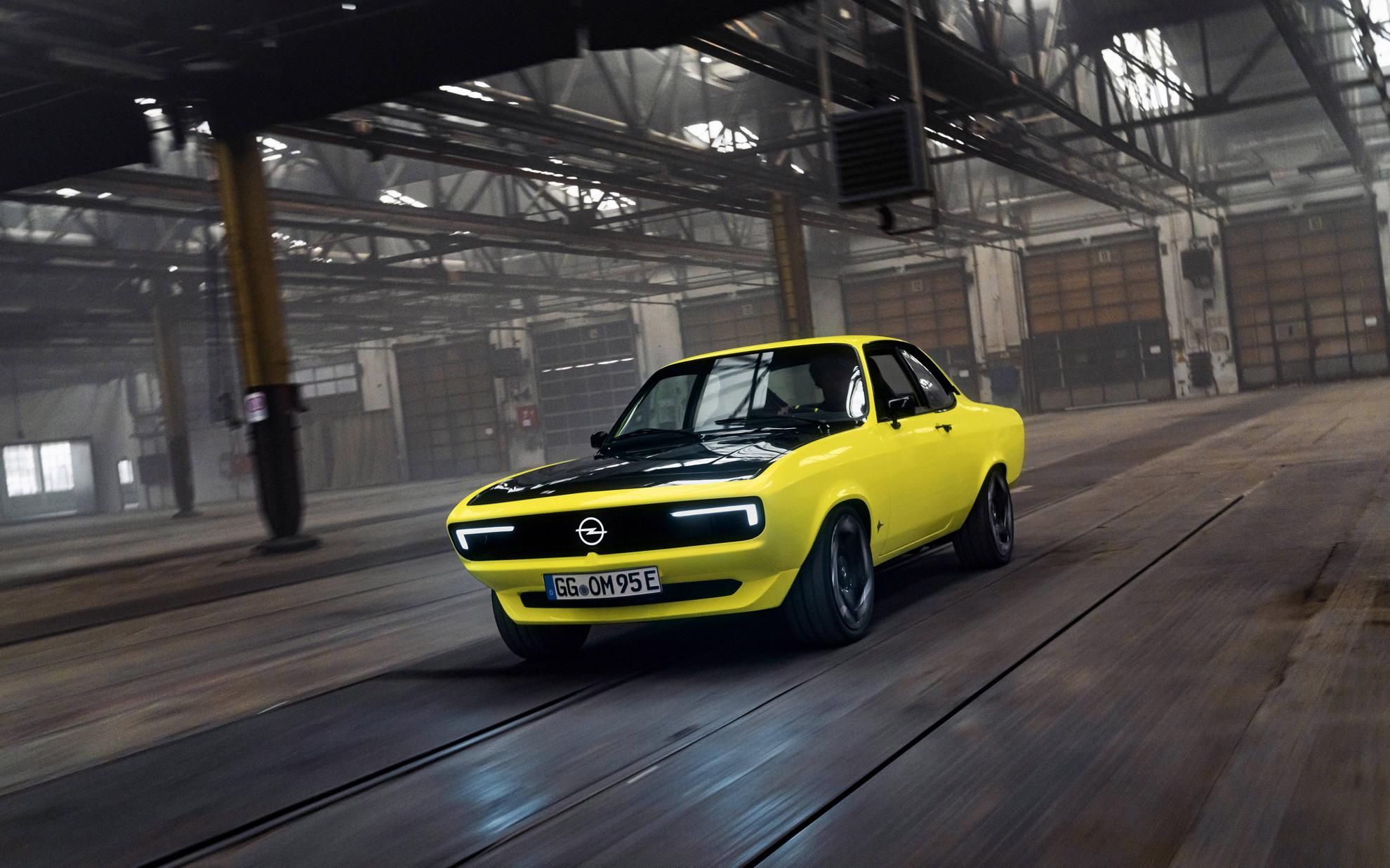 Враќање на легендарното купе: Opel Manta GSe ElektroMOD Coupe