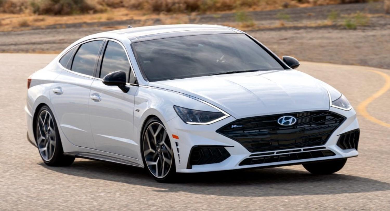 Самрак за бензинците и дизелите: Hyundai престанува со производство на половина од моторите со внатрешно согорување!