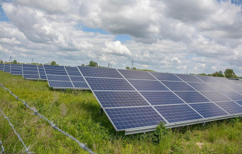 Холандската влада сака да инсталира соларни панели покрај автопатите и да испорачува чиста енергија до милион домаќинства