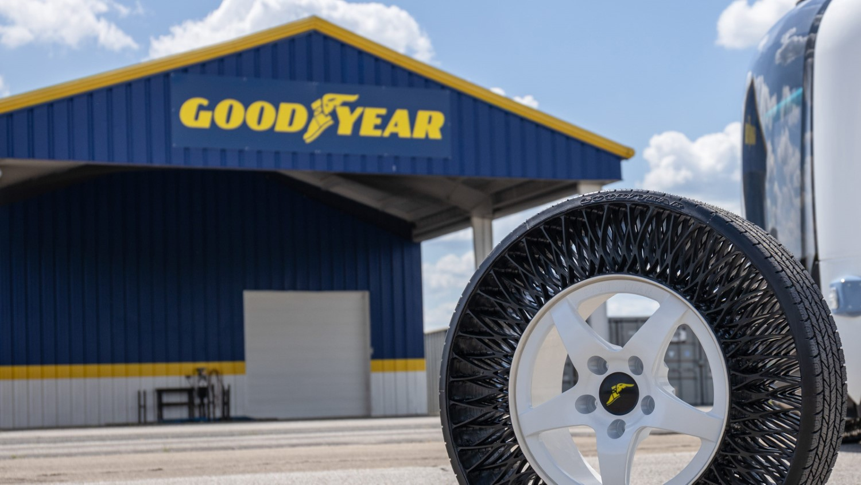 Гумите без воздух на Goodyear доаѓаат на патиштата