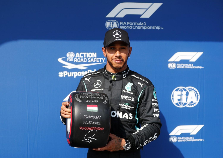 Formula 1: Хамилтон ја прекина лошата серија и стигна до пол -позицијата на Хунгароринг / ВИДЕО