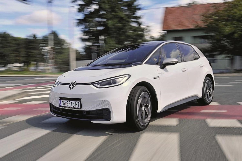 Околу половина од сопствениците на електричниот ID.3 никогаш порано не поседувале Volkswagen