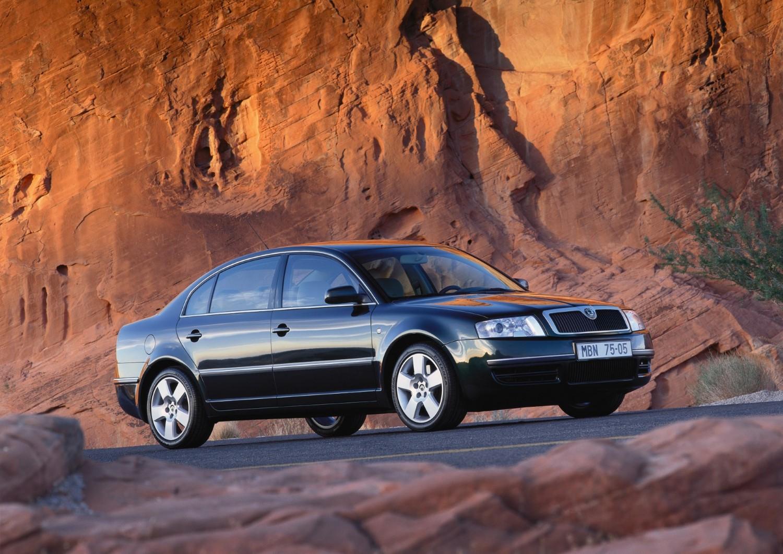 20 години Superb: Моделот кој го врати луксузот на Škoda!