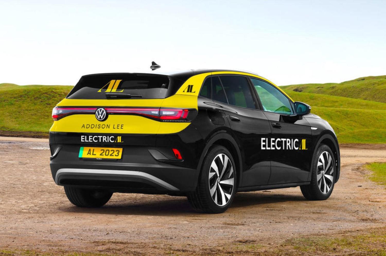 Најголемата такси компанија во Лондон преминува на исклучиво електрични возила