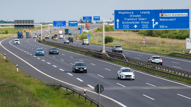 """Германија нема ограничување на брзината, но скоро сите возат со """"препорачана брзина"""". Изненадувачко истражување!"""