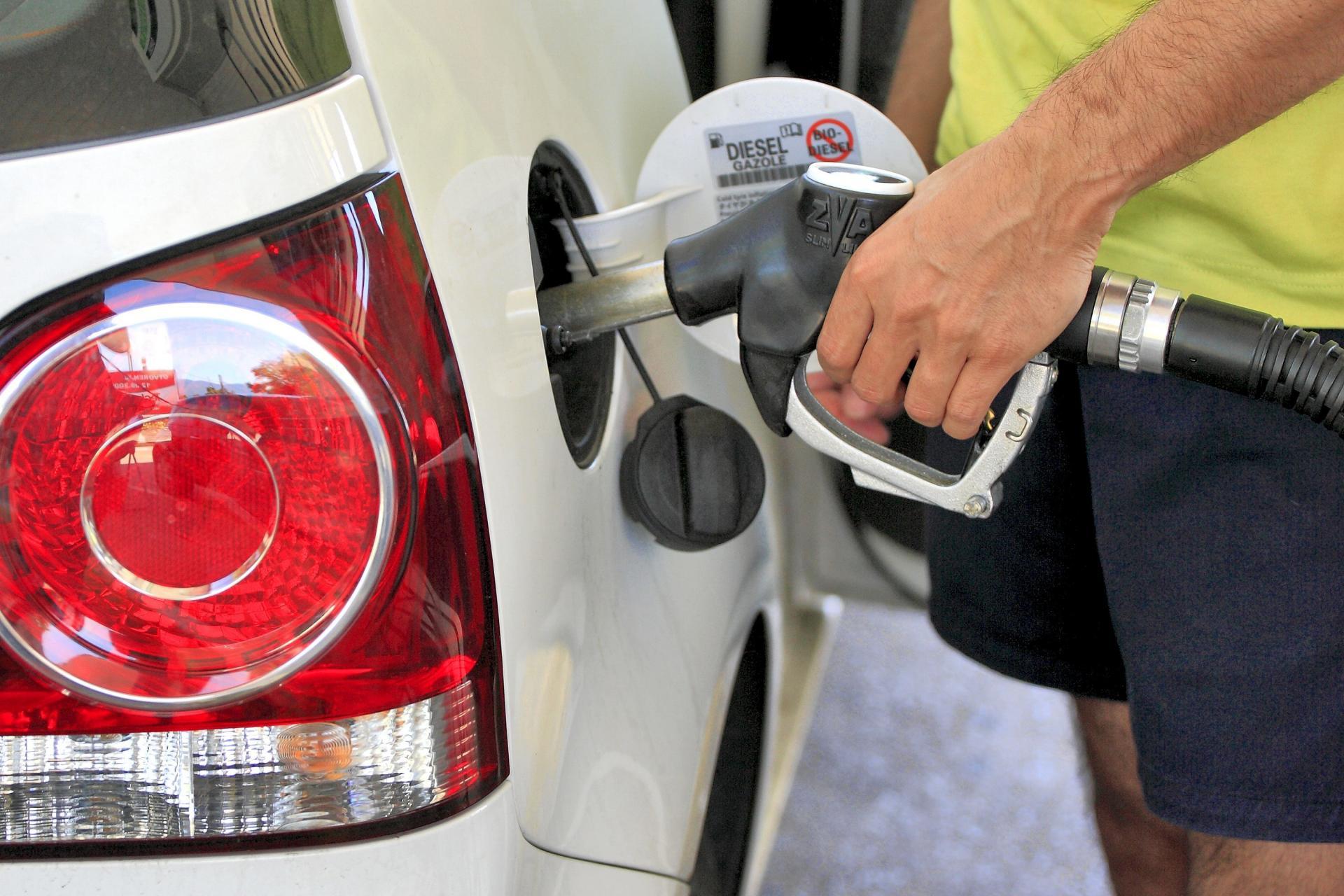 Цени на горивата во Европа: Холанѓаните веќе плаќаат над две евра за литар бензин