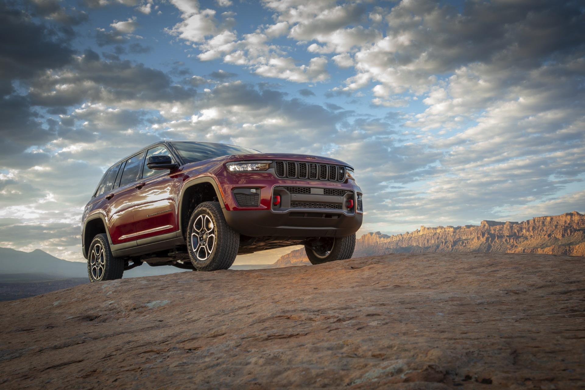 Ова е новиот Jeep Grand Cherokee / ФОТО+ВИДЕО