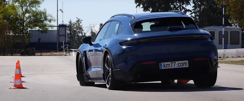 """Porsche Taycan Cross Turismo Turbo S во проблеми со брзината на """"тестот на северниот елен"""""""