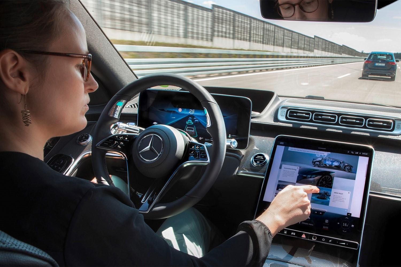 Цените на возилата никогаш повисоки, поради технолошките решенија што многу малку возачи ги користат
